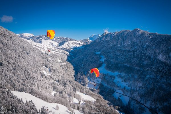 Paragliding in Interlaken between ice mountains